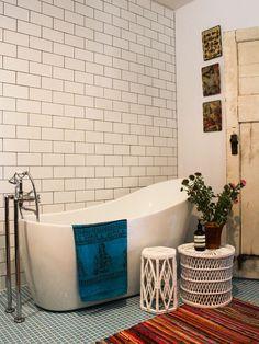 Amazing Bohemian Bathroom Design
