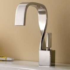 Delta Olmsted Chrome Handle Widespread WaterSense Bathroom Faucet - Silver bathroom faucets