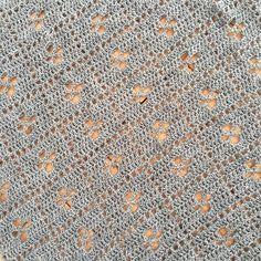 More grey ⛈ loving how this is turning out 💙 #callthemidwifeblanket pattern is free! Just google it 😄 #crocheter #crochet #crochetersofinstagram #handmadeisbetter #handmade