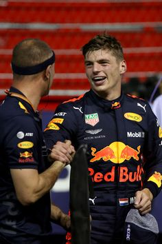 SINGAPORE - SEPTEMBER Second place qualifier Max Verstappen of Netherlands and Red Bull Racing celebrates in parc ferme during qualifying for the Formula One Grand Prix of Singapore at Marina Bay Street Circuit on September 2018 in Singapore. Red Bull Racing, F1 Racing, Racing Team, Drag Racing, Races Outfit, Formula E, Dirt Track Racing, F1 Drivers, Fighter Pilot