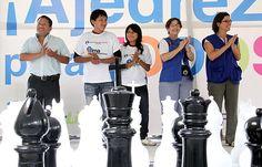 Campeones hermanos Cori apadrinaron Escuelas de Ajedrez de la Municipalidad Metropolitana de Lima