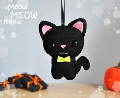 Hey, I found this really awesome Etsy listing at https://www.etsy.com/listing/246935887/ornament-halloween-cute-black-cat-felt
