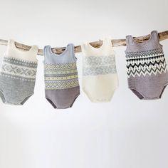 Смотрите это фото от @garnmagasinet на Instagram • Отметки «Нравится»: 225 Knitted Baby Clothes, Knitted Romper, Knitting For Kids, Baby Knitting Patterns, Newborn Outfits, Kids Outfits, Baby Barn, Retro Baby, Kids Patterns