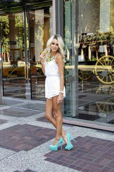 white lace romper | teal pumps | fashion blogger
