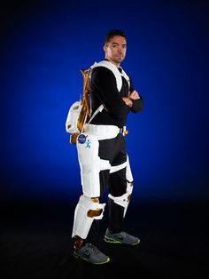NASA's Ironman-Like Exoskeleton Could Give Astronauts, Paraplegics Improved Mobility and Strength