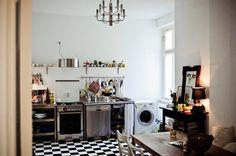 Freunde von Freunden — Alex Flach — Fotograf, Apartment, Berlin-Mitte — http://www.freundevonfreunden.com/interviews/alex-flach/