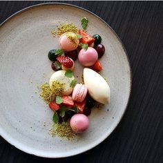 #tbt Strawberry, Pistachio and Goats Yoghurt #pastry #pastrychef #patisserie #dessertmasters #dessert @cajokeramik