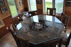 table du chasseur ,les animaux et les traces ont été graver par cnc numérique une table unique en sont genre Outdoor Tables, Outdoor Decor, Genre, Poker Table, Cnc, Outdoor Furniture, Unique, Home Decor, Primitive Furniture