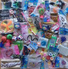 60 jouets de kermesses et 8 bonbons pour récompenser les enfants
