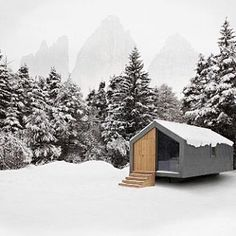 Movable cabin called Moonriver designed by Hangar Design group. @hangardesigngroup #cabin #outdoors #design