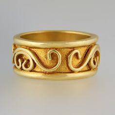 Garland, 18k yellow gold