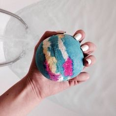 New Bath Boms Packaging Ideas Pictures Ideas Lush Cosmetics, Handmade Cosmetics, Bath Boms, Lush Bath Bombs, Bubble Bath, Smell Good, Spa Day, Face And Body, Girly Things