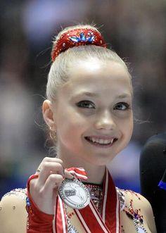 Elena Radionova(RUSSIA) NHK Trophy 2013 Medal Ceremony
