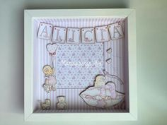 Marco Ikea, Baby Frame, Shadow Box Frames, Frame Crafts, Baby Cards, Diy And Crafts, Kids Room, Presents, Miniatures