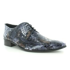 Men - Some non-platform shoes that could be worn by anyone.