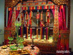 peranakan wedding bedroom from http://nanyate.com/culture/peranakan-culture