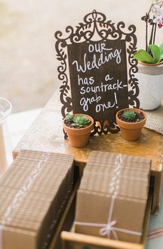 Gift for guests: Wedding soundtrack and succulent favors @weddingchicks
