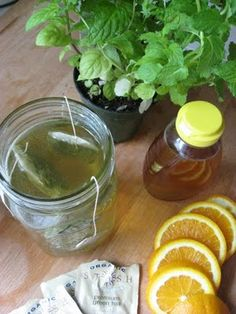 New Nostalgia: Iced Tangerine Mint Green Tea.  Dr Oz weightloss. 4 green tea bags 1/2 tangerine, sliced fresh mint leaves honey to taste boiling water ice. Heat water, add tea bags.  Steep 3-4 min - add honey while hot.  In your glass add ice, tangerine and mint then add the tea.