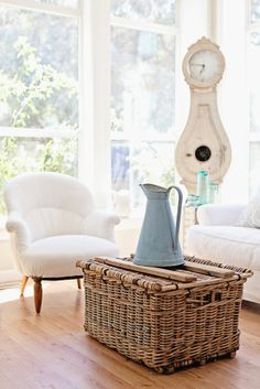 Dreamy Whites: Miss Mustard Seed's Milk Paint French Enamel Pitcher. I like the wood on top of the basket Farmhouse Style, Farmhouse Decor, Rattan, French Baskets, Miss Mustard Seeds, Milk Paint, Home And Living, Living Rooms, Painted Furniture