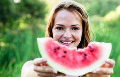 http://weblogkesehatan.tumblr.com/post/100251737521/manfaat-buah-semangka-untuk-kecantikan