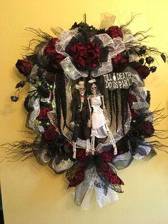 Halloween wreath, Halloween decor, Halloween, skull wreath, skull decor, skull, wedding wreath, wedding decor, spooky wreath, spooky decor by WitchesLairWreaths on Etsy
