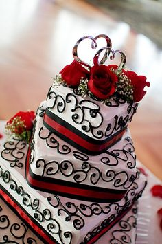 Red and black - If I could redo my wedding.....I think this would be my cake...or at least a high contender :D