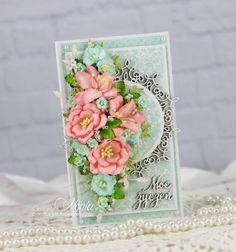 Witajcie. Dziś kolejna urodzinowa kartka, tym razem miętowa z odrobiną różu, zrobiona z produktów Agaterii. Miętowy kolor nadały papi...
