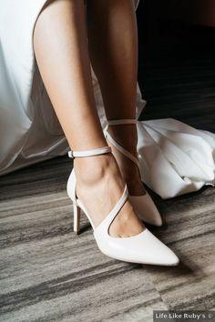 Wedding shoes ideas - close toe, classic, modern, white {Life Like Rubys}