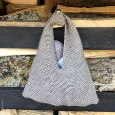 Lottie Knitting bag pattern by Stella Ackroyd - this has given me an idea for crochet Fall Knitting Patterns, Easy Knitting Projects, Crochet Projects, Yarn Projects, Crochet Fall, Knit Crochet, Aran Weight Yarn, Paintbox Yarn, Knitted Bags