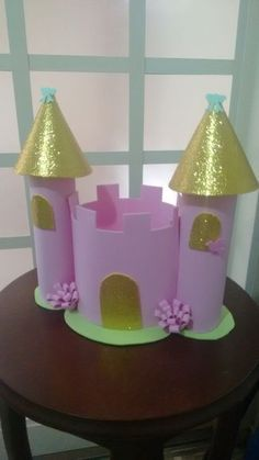 Discover recipes, home ideas, style inspiration and other ideas to try. Craft Projects For Kids, Preschool Crafts, Diy Crafts For Kids, Princess Theme Birthday, Tangled Birthday Party, Cardboard Crafts, Foam Crafts, Paper Crafts, Castle Crafts