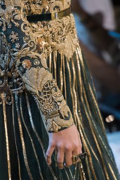 Elie Saab Fall 2017 Couture Fashion Show Details Elie Saab Couture, Couture Mode, Style Couture, Couture Details, Cl Fashion, Fashion 2017, Fashion Details, Couture Fashion, Runway Fashion