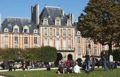 MARAIS [full day] / / / Maison de Victor Hugo + Musee des Arts et Metiers + Place des Vosges + Hotel de Sens ((Musee de Picasso returns 25 Octobre))