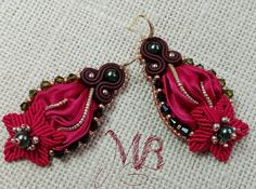 Welcome autumn!!! Earrings Red Harmony #earrings #earringsoftheday #soutache #soutachemania #silk #shibori #shiborisilk #ribbon #Swarovski #macrame #micromacrame #knotting #knot #jewelry #handmadejewelry #handmade #handcraft #craft #thankgoditscraftday #etsy #etsyshop #fall #welcome #leaves #golden #followme #picoftheday #red #autumn #star