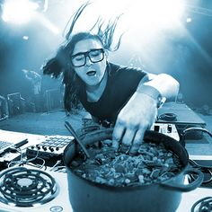 """Cooking with Skrillex"" (Tumblr of the Day) on http://www.drlima.net"