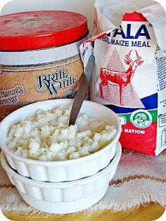 Krummelpap/Putu Pap (Crumbly porridge) by The Creative Pot Braai Recipes, Brunch Recipes, Cooking Recipes, South African Dishes, South African Recipes, Pap Recipe, Kos, Africa Day, Good Food