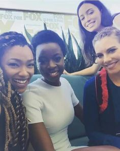 #TheWalkingDead Sonequa Martin(Sasha),Danai Gurira(Michonne), I don't know that is & Lauren Cohan(Maggie)