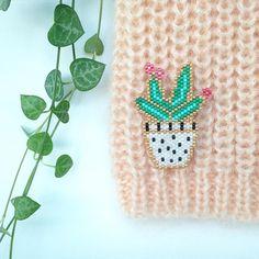 Cactus fleuri en perles (Rose_Moustache)
