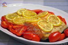 Il salmone con limone è un secondo piatto semplice che si preparara in microonde con la funzione crisp in pochi minuti.