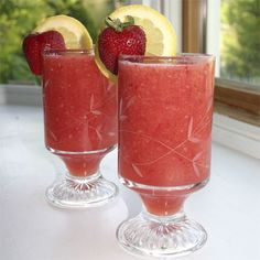 #Watermelon #Strawberry #Lemonade | #lemon #honey #beverage #entertaining