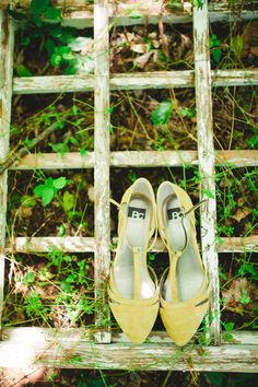 Olive colored heels   Photography: Catie Bartlett Photography  - www.catiebartlett.com  Read More: http://www.stylemepretty.com/2014/05/27/earthy-summer-backyard-wedding/