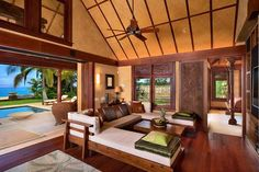 Hawaiian Home Decorations With Tropical Interior And Classic Ceiling Fan