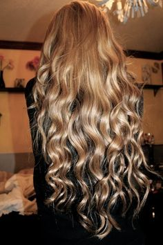 love long hair with lose curls