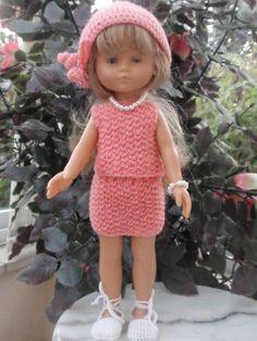 Des vêtements de poupées Mais uniquement pour les poupées chéries de corolle,au tricot, crochet et couture.