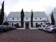 Situated on the outskirts of the charming town of Stellenbosch, this South African hotel embodies the splendid heritage of the Cape.