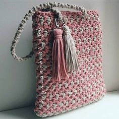 17 best images about crochet bags on purse Crotchet Bags, Bag Crochet, Crochet Clutch, Crochet Handbags, Crochet Purses, Knitted Bags, Love Crochet, Crochet Stitches, Hand Knitting