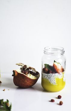 ... vanilla chia pudding with mango puree ...