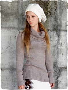 Pullover collo alto Katia #modaetnica #ethnicalfashion #alpacaswhool #lanadialpaca #peruvianfashion #peru #lamamita #moda #fashion #italianfashion #style #italianstyle #modaitaliana #lamamitafashion #moda2015 #fashion2015