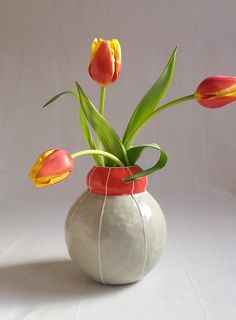 Round ceramic vase. Bubble shape in gray and red by krikriceramics