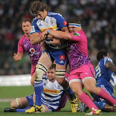 Stormers lock Eben Etzebeth runs the ball Rugby League, Rugby Players, Eben Etzebeth, South African Rugby, Rugby News, Super Rugby, Six Nations, World Of Sports, Lady And Gentlemen