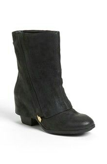 Love Fergie boots
